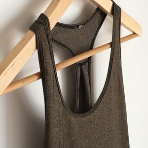 Lululemon goldish tank Sz 6